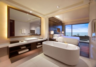 TANGO_online_hyatt_PHUHR_P004_Ocean-View_Guest_Bathroom_67681