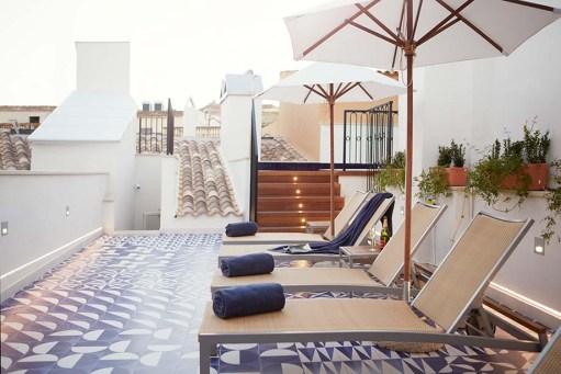Hotel »Cort«   Stadturlaub mit Meerblick