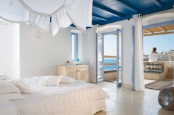 TANGO_online_deep-blu-villa-with-private-shaded-heated-pool-and-outdoor-jacuzzi