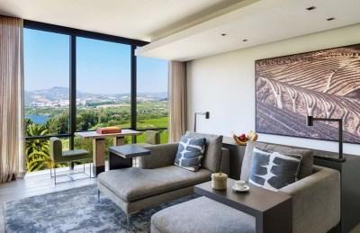TANGO_online_six_senses_douro_valley_quinta_panorama_living_room2_[6175-original]