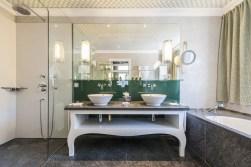 TANGO_online_deluxe chic bathroom 2