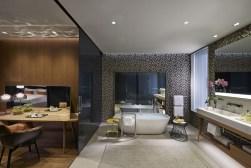 TANGO_online_barcelona-2014-suite-premier-bathroom