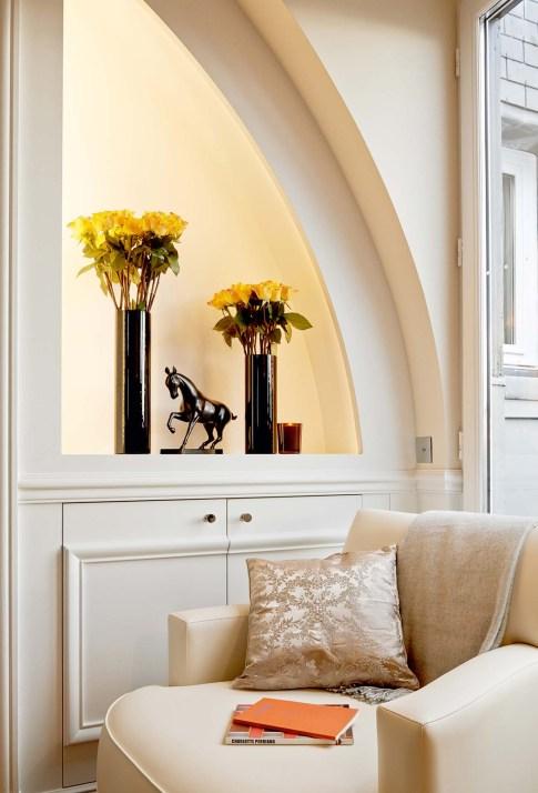 67311157-h1-suite_palais_royal_fen_tre_living_room