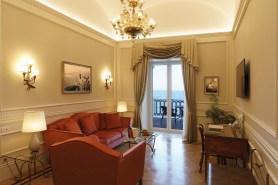 suite_avanti_sitting-room