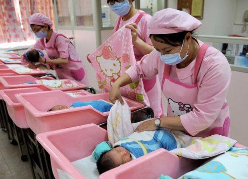 hello-kitty-nurses_2101821i