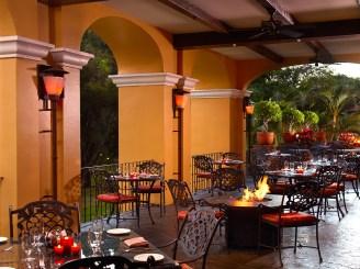 Antiqua Restaurant Firepit