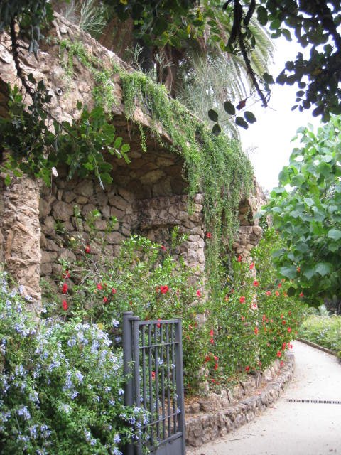 ParkGuell_TerracedPaths