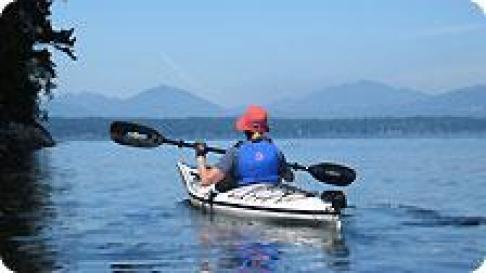 Legg Bougle paddles the N. Gulf Islands