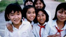 Vietnam, Hue schoolgirls