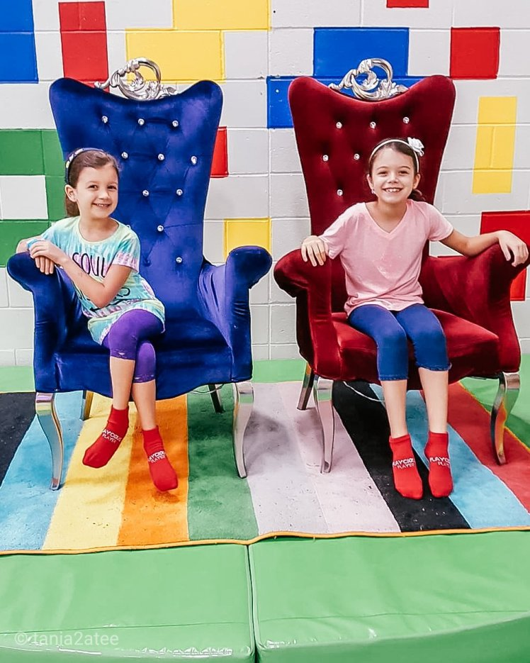 tania2atee-things-ive-learned-from-being-a-mom-for-a-decade-kids-at-indoor-playground