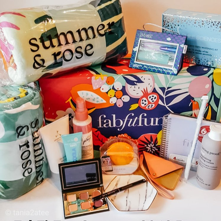 tania2atee-subscription-boxes-for-mothers-day-fabfitfun-summer-2018-box