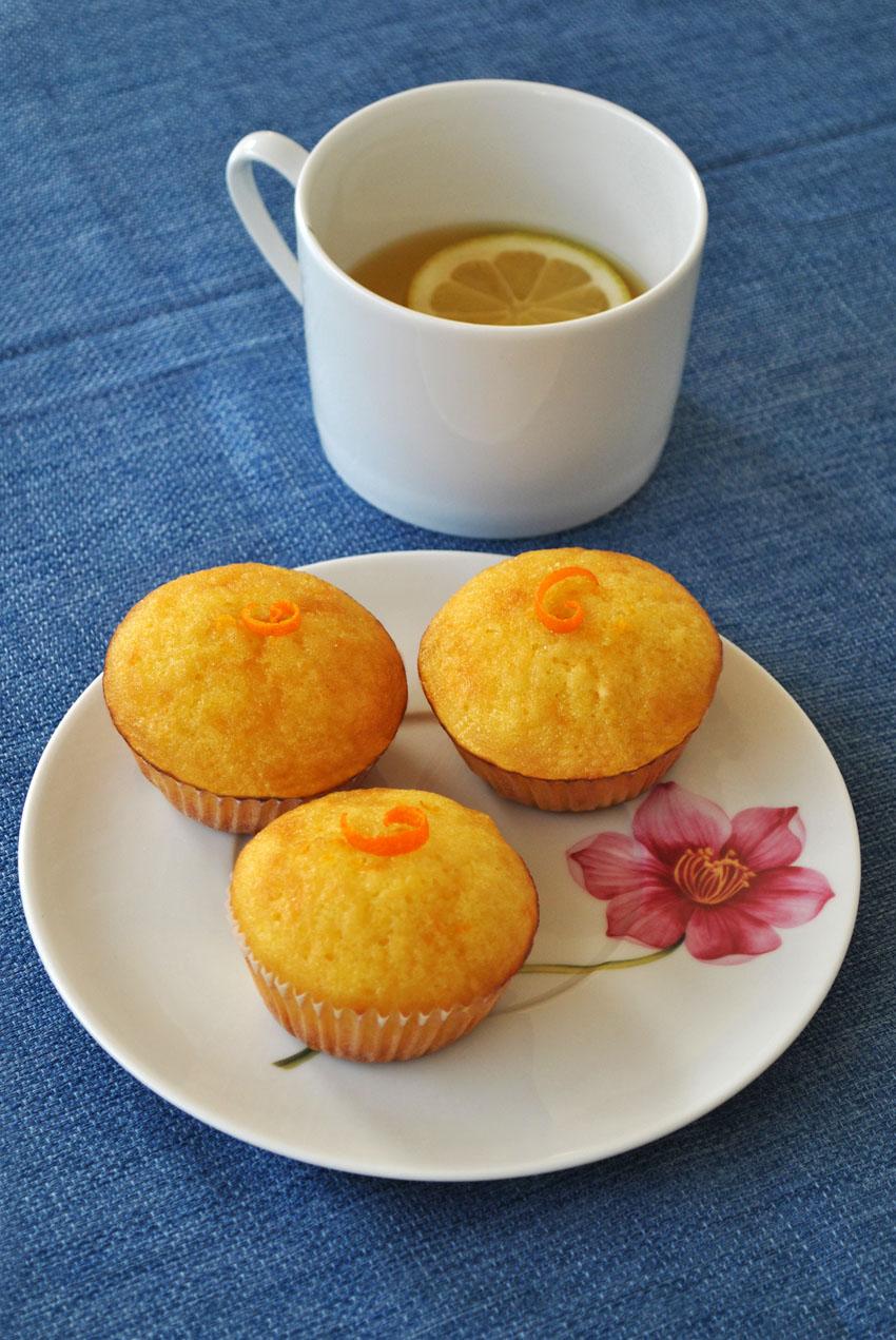 Moist Orange and Lemon Syrup Cupcakes