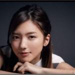 LIKE(ライク) CMの白い服で走る女優の名前は?笑顔がかわいい!