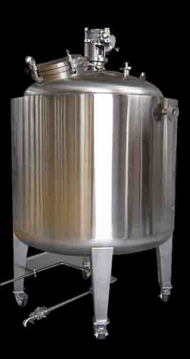 TanksUSA Fermenter with Agitator_low