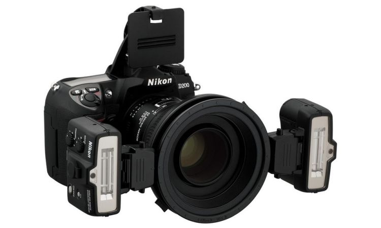 Nikon med makroblitz.