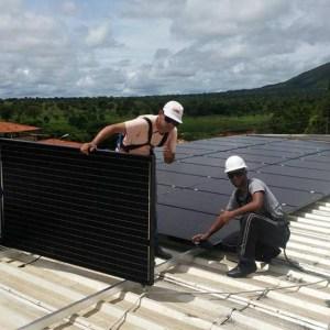 03 - Instalação dos módulos fotovoltaicos - 80 x 270Wp Sun Edison