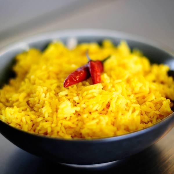 Tante Kookt Moluks Javaans Eten Thuisbezorgd Afhaal Nasi Kuning close - Tante Kookt - Take Away & Home Delivery