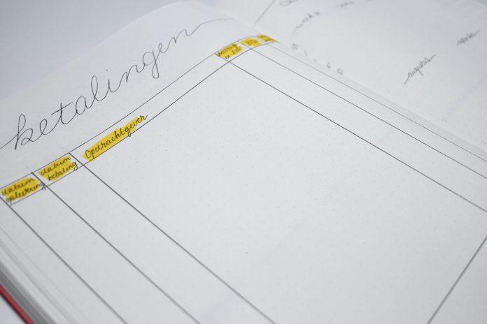 bullet journal setup voor september betalingen