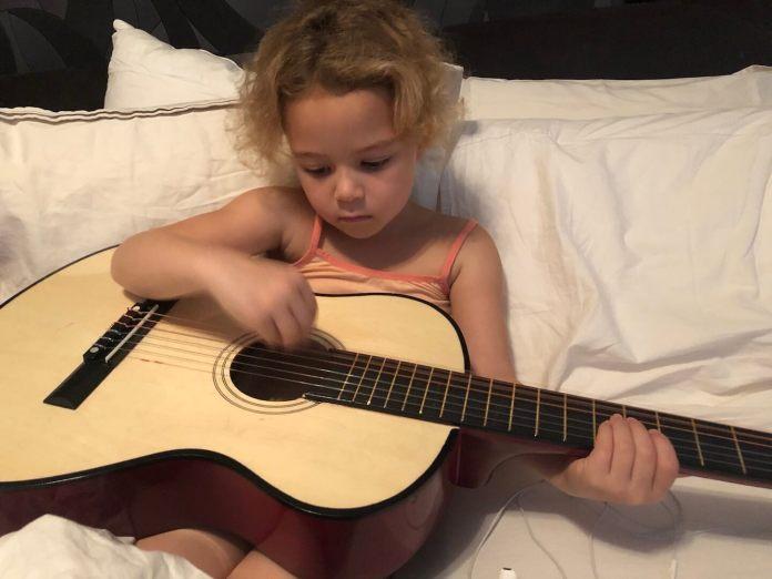 even goed voor mezelf zorgen gitaar