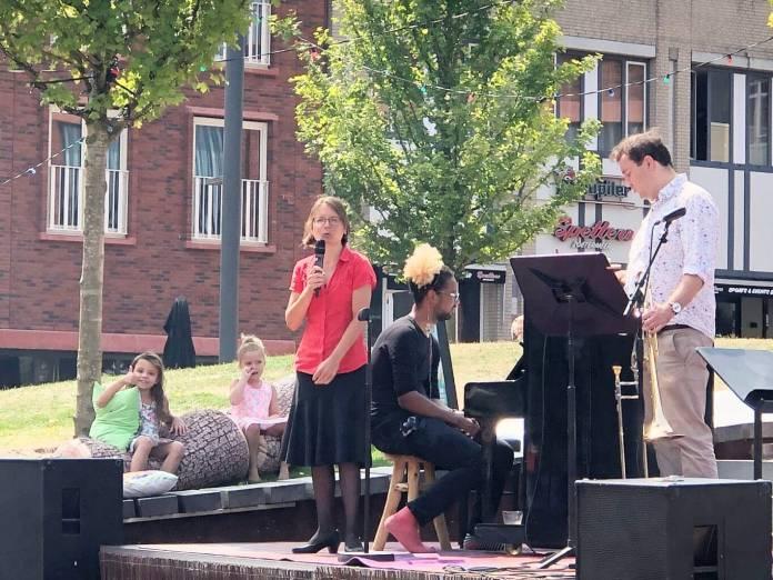 zomeravonden op het Cadenzaplein in Zoetermeer genieten van klassieke muziek op zondag