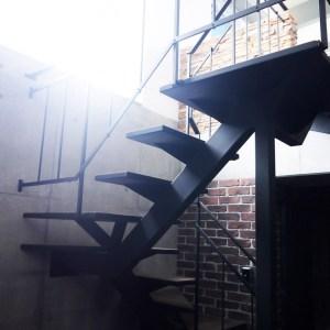 アイアン螺旋階段