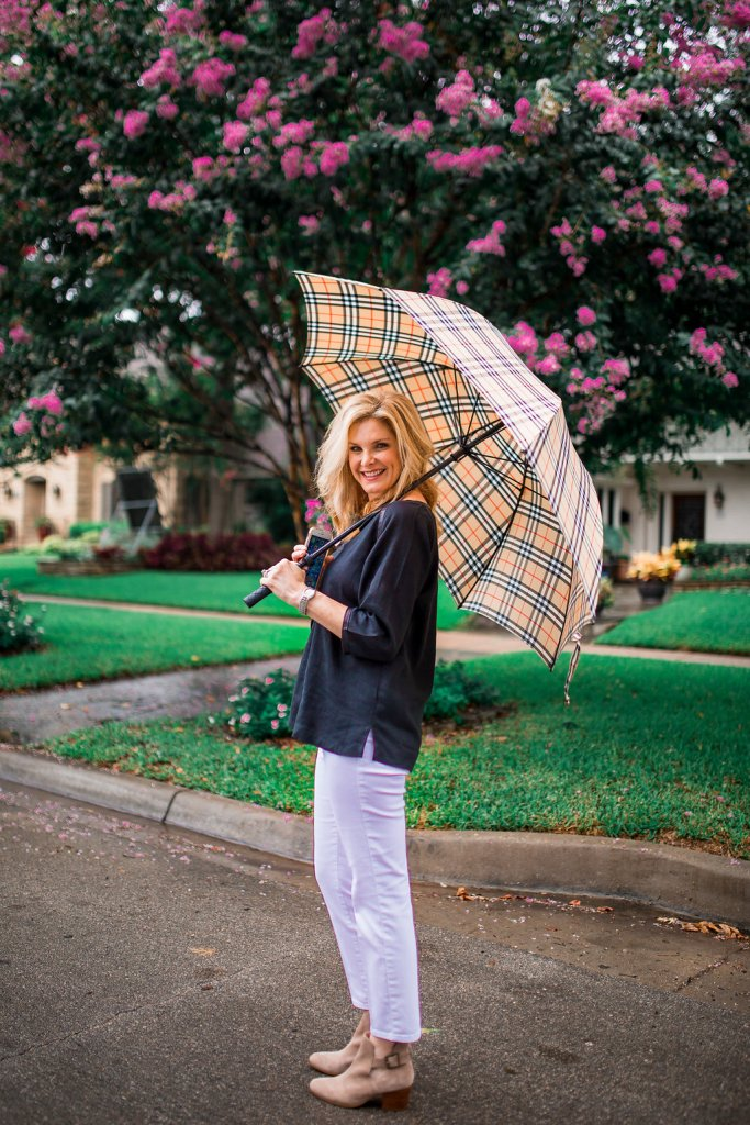 Sole Society Olive bootie, white jeans, black linen top, Burberry umbrella, Tanya Foster, Dallas Lifestyle Blogger