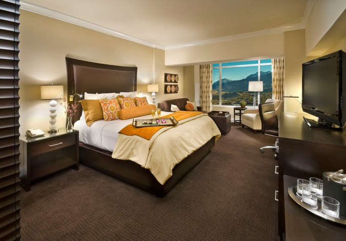 Experience Reno, Nevada on TanyaFoster.com