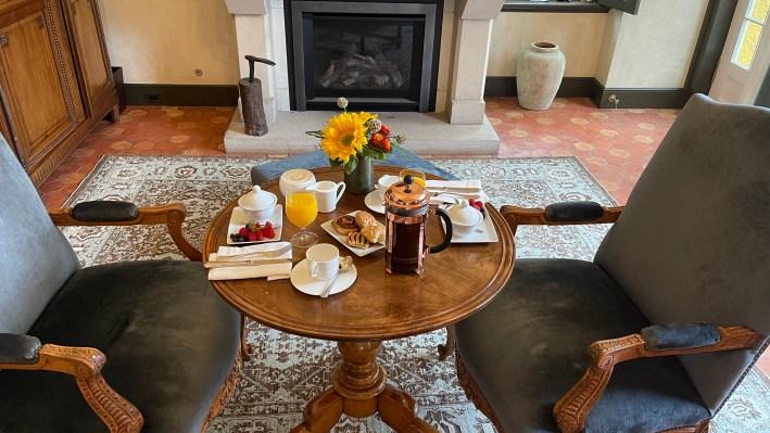 Breakfast in Jordan Winery Chateau