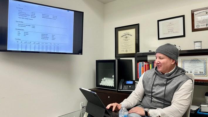 Dr. Rudman going over Formula Wellness plan