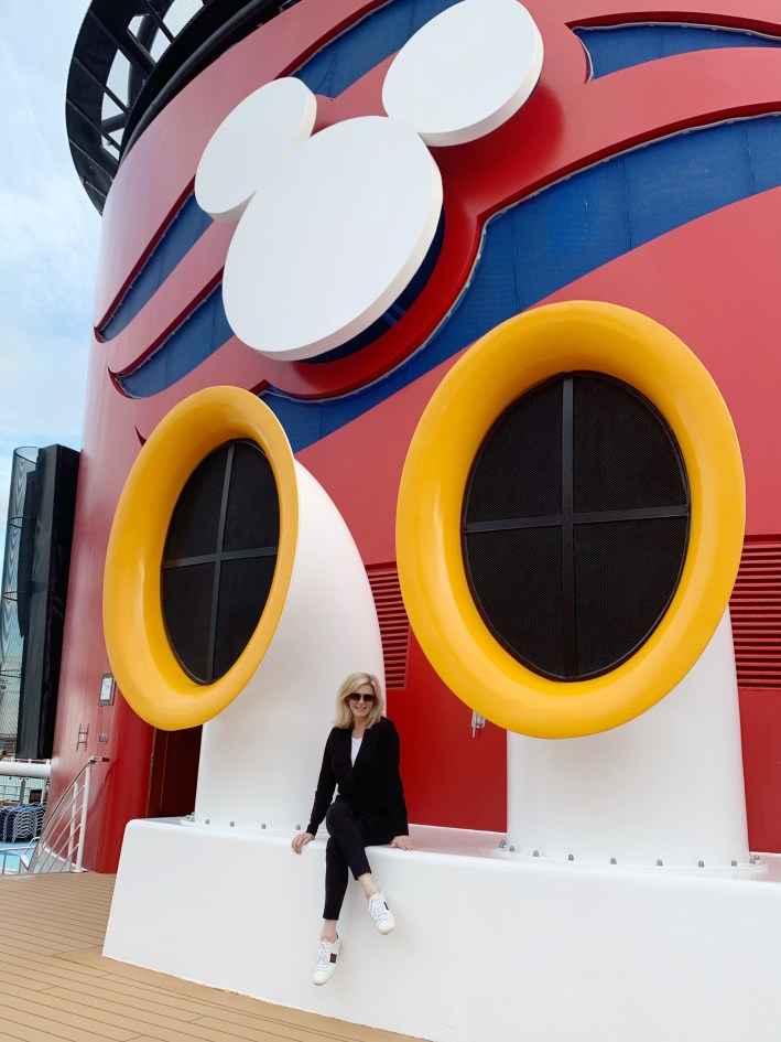 Top 10 Reasons to Book a Disney Cruise to Alaska featured by top US travel blogger, Tanya Foster