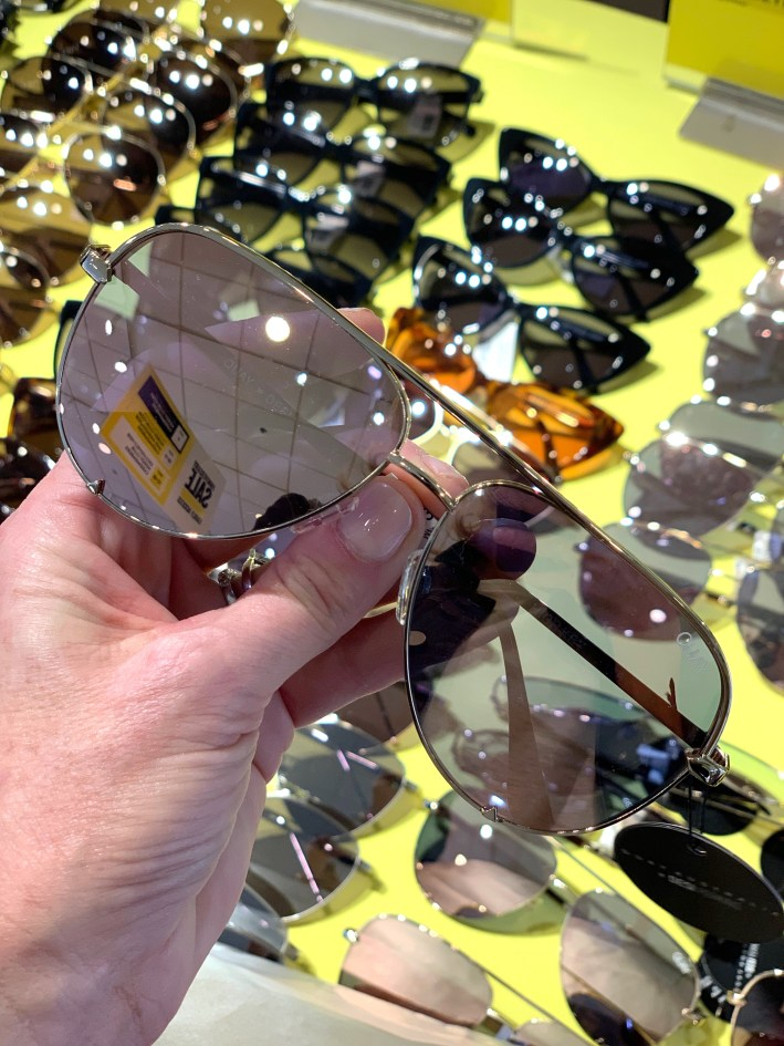 Top US fashion blogger, Tanya Foster shops the Nordstrom Anniversary Sale: image of Quay sunglasses