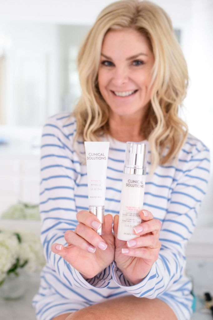 tanya foster holding mary kay clinical solutions retinol 0.5 set