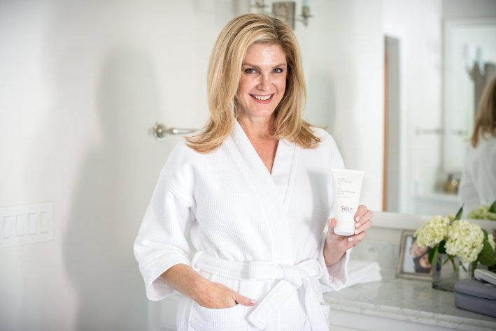 I'm using the Silk'n Titan twice a week to tighten my skin and look younger.