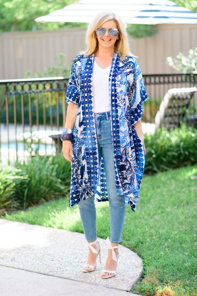 tanya foster in chicos linen wrap white tee and jeans