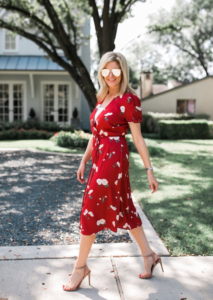 How to wear a wrap dress. Red CArina Dress from Reformation.