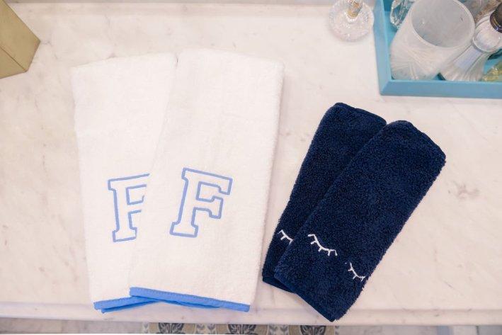 Weezie Towels make-up towels