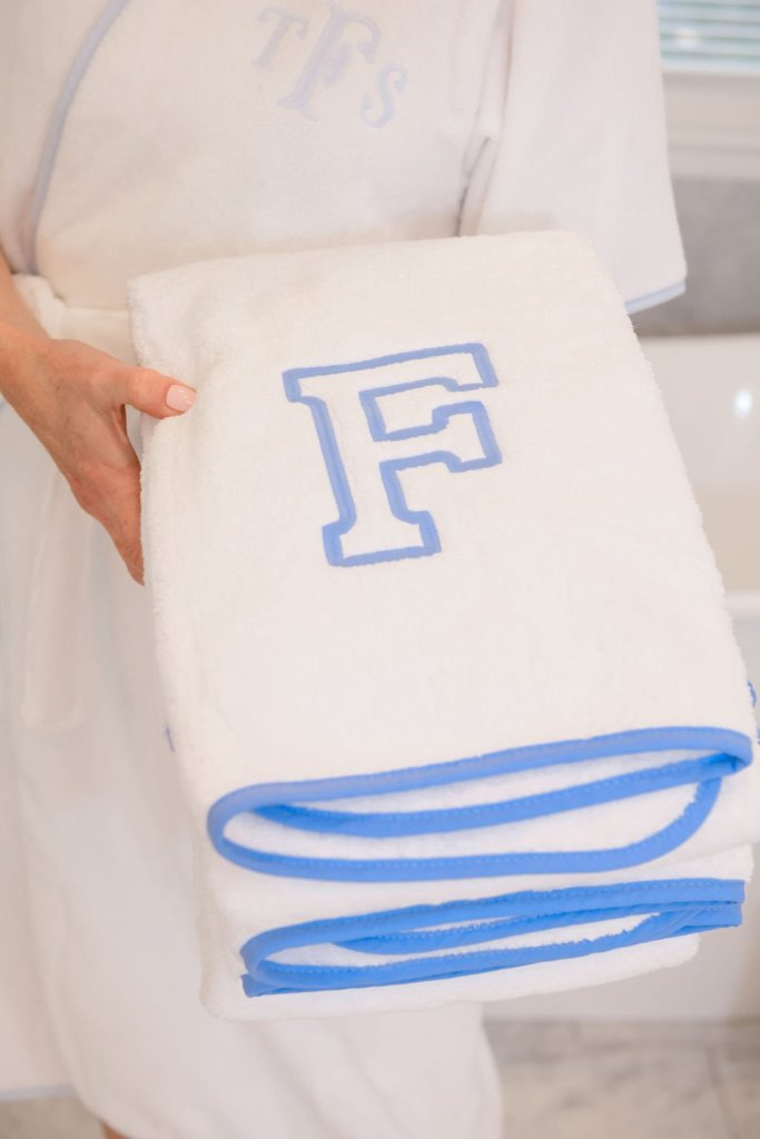 Weezie Towels piped edge bath towels