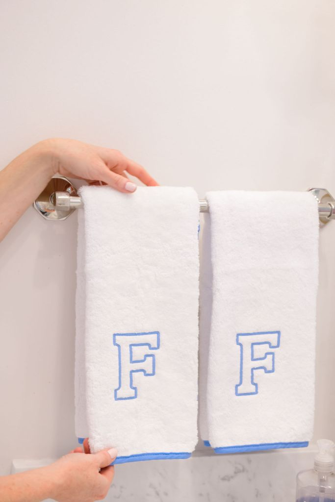 Weezie hand towels