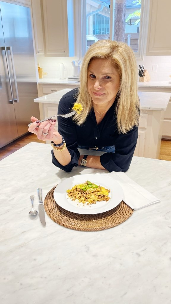 Tanya Foster eating eat to evolve meal