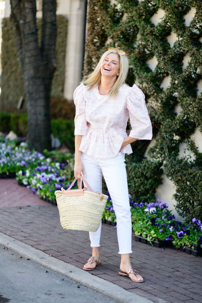 tanya foster wearing dondolo dallas shirt with vince camuto fray hem white skinny jeans mango straw bag and tory burch miller sandals
