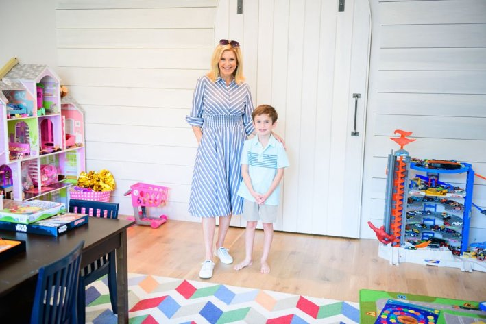halfway mark nordstrom anniversary sale with focus on kids Tanya foster wearing eliza j dress and sperry sneakers with boy wearing vinyard vines polo and khaki shorts