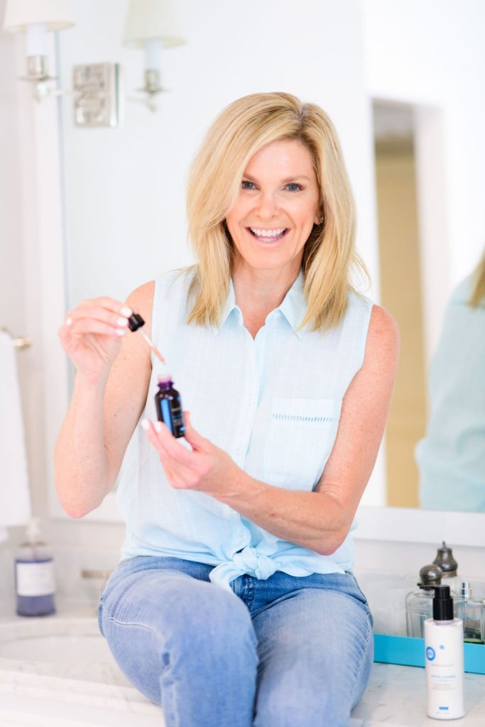 tanya foster with skinceuticals hylauronic acid intensifier serum