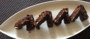 no bake cocoa biscuit cake