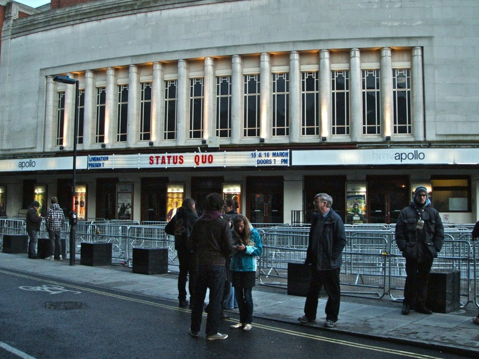 5pm outside Hammersmith Apollo (nee Odeon) where I first saw Quo in the late 70s