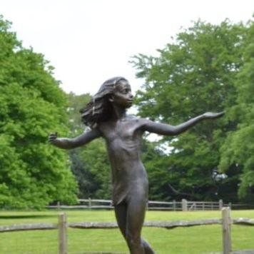 Miranda sculpture