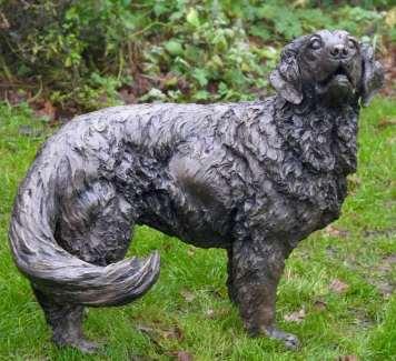 Golden Retriever sculpture head looking right