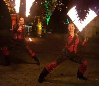 Dance in Flames Feuershow-Duo