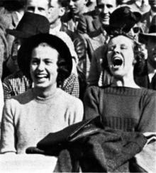 BW_laughing_teenagers-1-220x244