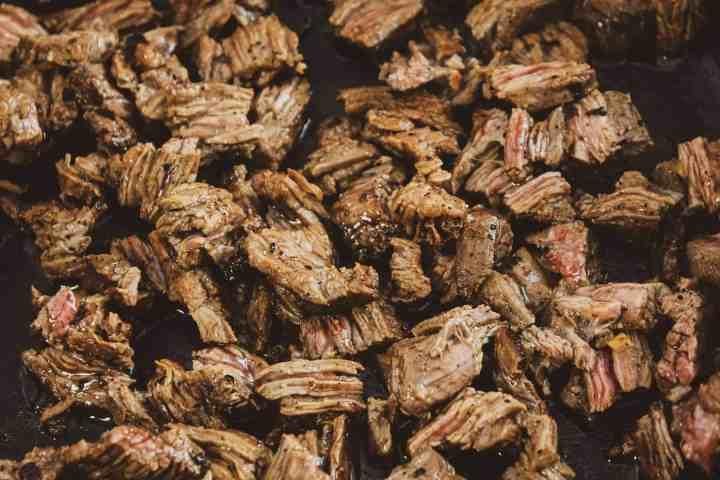 chunks of cooked carne asada