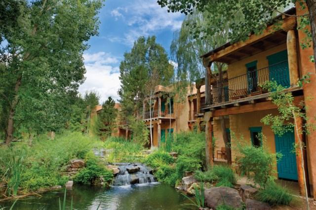 Taos-El-Monte-Sagrado-Exterior-Native_American_Rooms_1